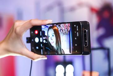 3799元 感受三星Galaxy A80带来的全新拍摄体验